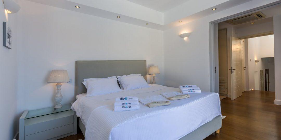 http://www.blueros.com/wp-content/uploads/2016/03/blueros_master-bedroom_00012-1080x540.jpg