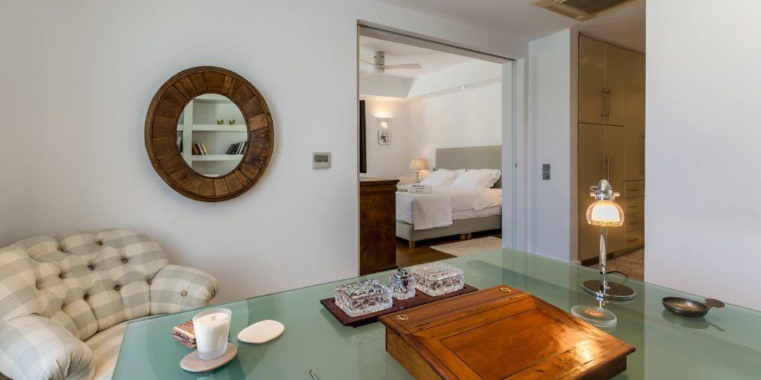 http://www.blueros.com/wp-content/uploads/2016/03/blueros_master-bedroom_00019-1080x540.jpg