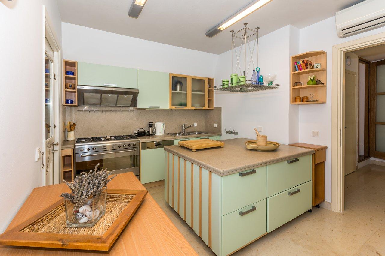 blueros_kitchen_dn_00002