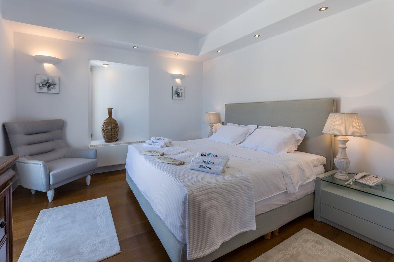 blueros_rooms_master_00035