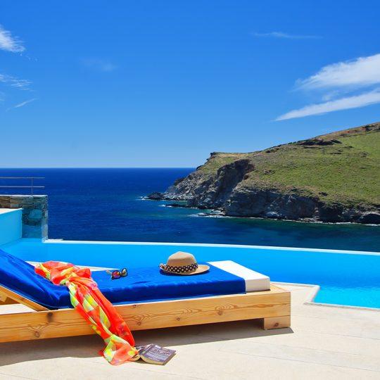 http://www.blueros.com/wp-content/uploads/2017/05/Relax-Syros-BluErosLuxuryVilla2-540x540.jpg